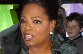 450px-Oprah_Winfrey_at_2011_TCA