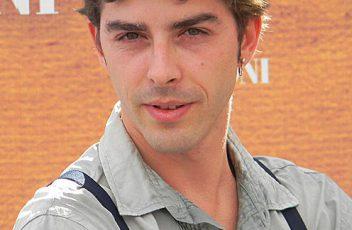 496px-Michele_Riondino_al_Giffoni_Film_Festival_2010
