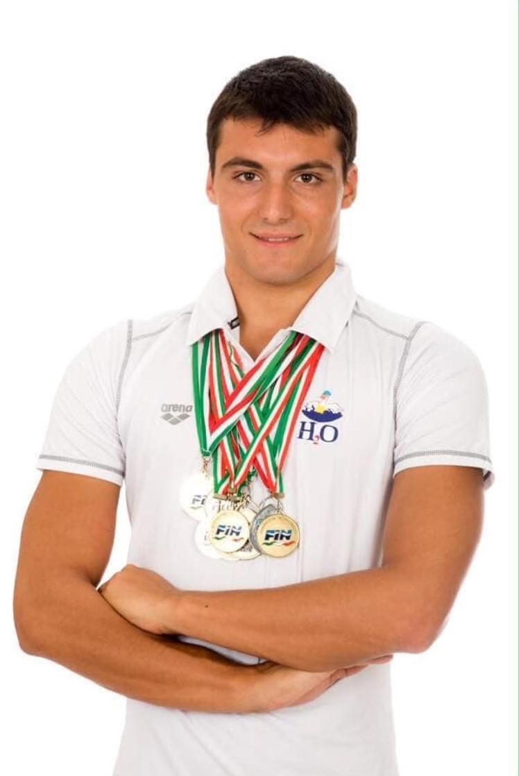 cdf717cfdede Intervista a Tony Iacovino, giovane recordman del nuoto italiano non più in  attività