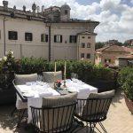 Agosto a Roma è l'occasione per regalarsi serate speciali da ADELAIDE al Vilòn sulle TERRAZZE delle SUITE più belle con vista sul giardino segreto e sul ROOF sotto il cielo di una Roma inedita.